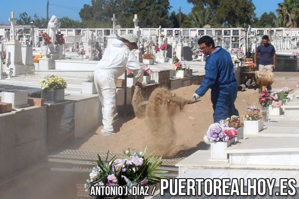 20160722_fosa_comun_cementerio_fusilados_02