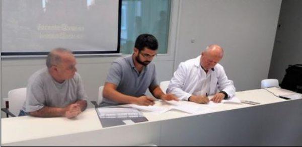 Firma de la entrega de restos óseos de la fosa común de Puerto Real