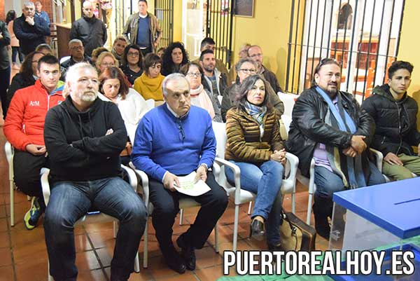 Vicente Fernández junto a Jesús Plaza y Maribel Peinado