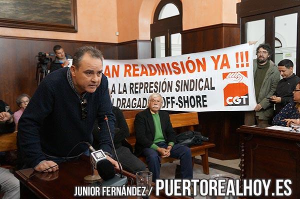 Juan Antonio Guerrero exponiendo su caso en Pleno