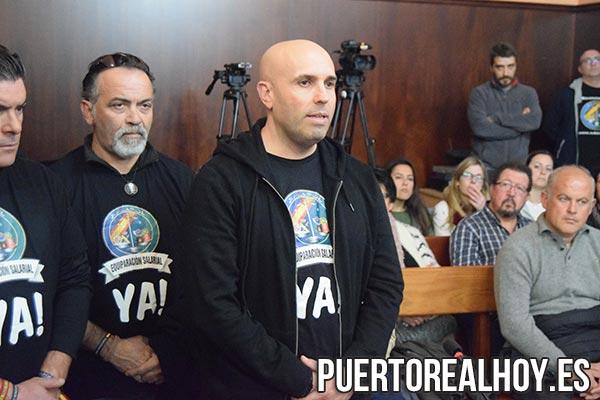 Miembros de Jusapol en el Pleno de Puerto Real