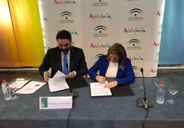 Firma entre la Diputación de Cádiz y la Junta de Andalucía en materia de turismo