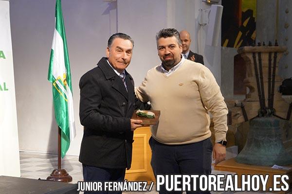 El IES Virgen del Carmen recibiendo un premio por Andalucía Por Sí.
